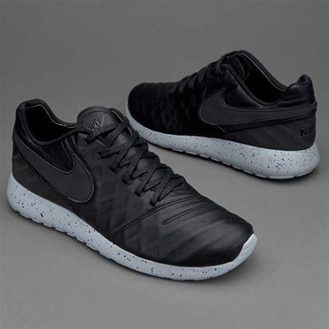 Sepatu Nike Sneakers sepatu sneakers nike sportswear roshe tiempo vi black