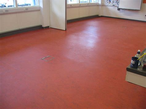 linoleum flooring linoleum floor cleaning