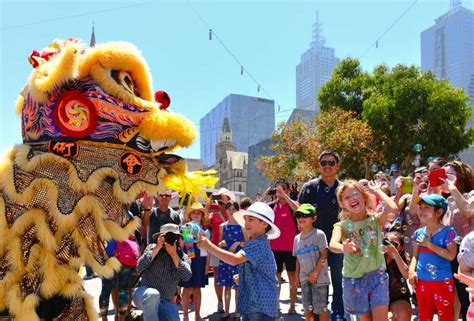 new year 2015 melbourne parade new year celebrations around the world travel