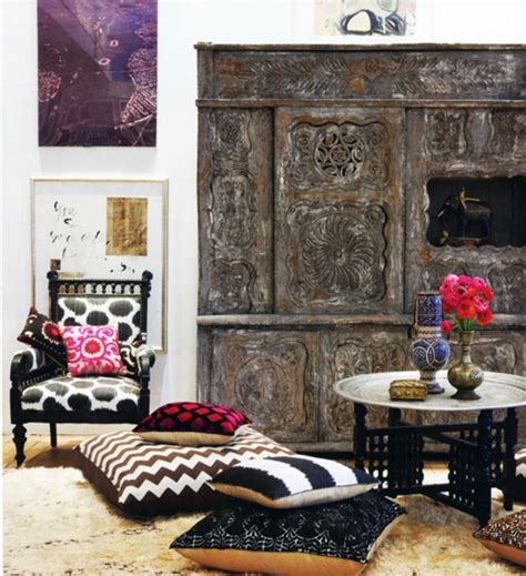 48 relaxing moroccan living room decoration ideas round decor 51 relaxing moroccan living rooms digsdigs