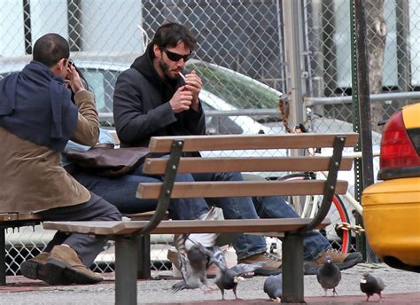 keanu reeves bench keanu reeves photos photos keanu reeves in soho zimbio