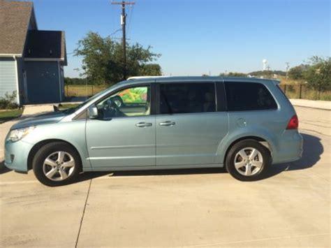sell   volkswagen routan sel mini passenger van  door   argyle texas united