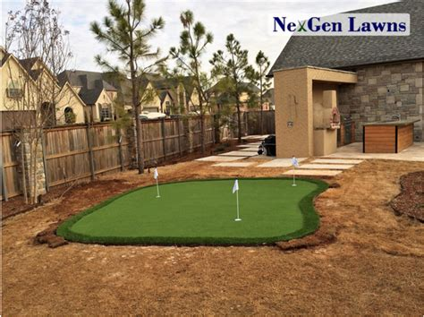 backyard putting green turf improve your short game with a synthetic turf putting