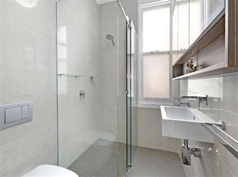 piastrellare un bagno come ristrutturare un bagno lungo e stretto