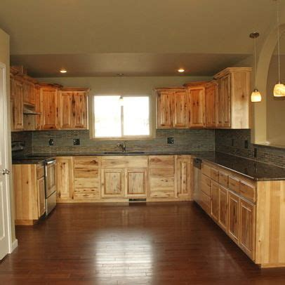 assembled hickory kitchen cabinets   4,844 knotty hickory