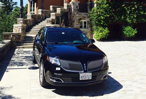 lincoln livery mkt crossover 4wd 4 passenger limo rental