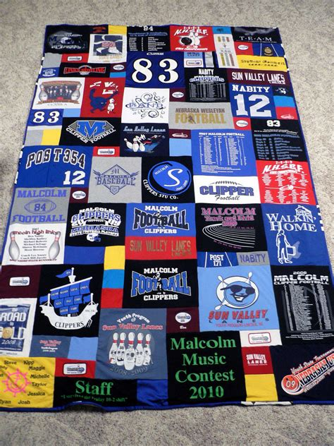 Make Quilt Out Of T Shirts by T Shirt Quilt Snugasabugbaby