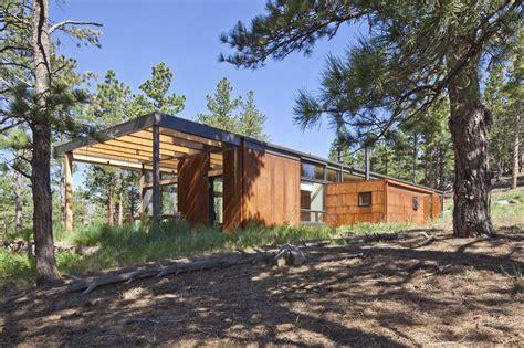 award winning boulder cabin minimizes energy use and