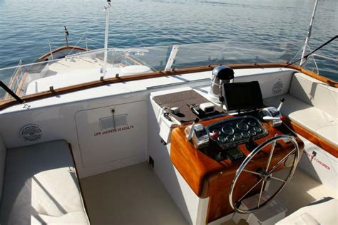 boats for rent in boston harbor boston harbor dinner cruises boats and yacht charters