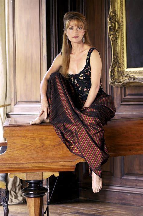 Descalzas Y Famosas Especial Jane Seymour Pies Y Piernas