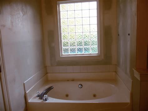 Need Help Bathroom Towel Storage Ideas For Around Garden Tub Garden Tub Decor Ideas