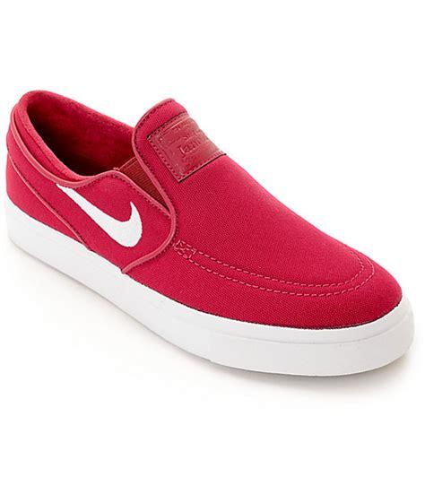 nike slip on womens shoes nike sb janoski berry slip on s skate shoes zumiez