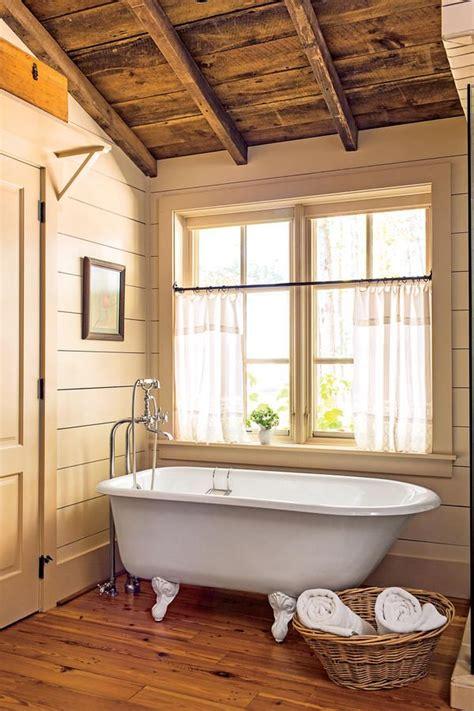 Shiplap Ceiling Bathroom 1000 Ideas About Shiplap Siding On Siding