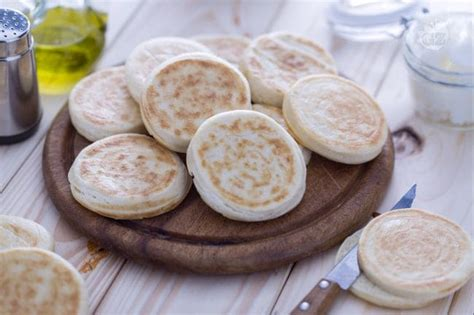 ricette mantovane tipiche ricetta crescentine o tigelle la ricetta di giallozafferano