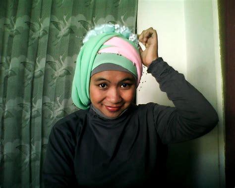 tutorial hijab pasmina satin 2 warna tutorial hijab 2 pashmina warna kontras aimarusciencemania