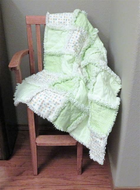 Handmade Baby Comforter - 591 best handmade baby quilts images on gifts