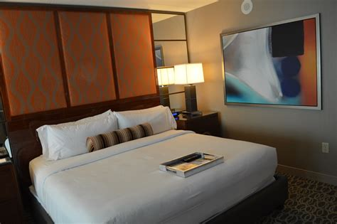 grand king bed mgm grand las vegas grand king room loyalty traveler