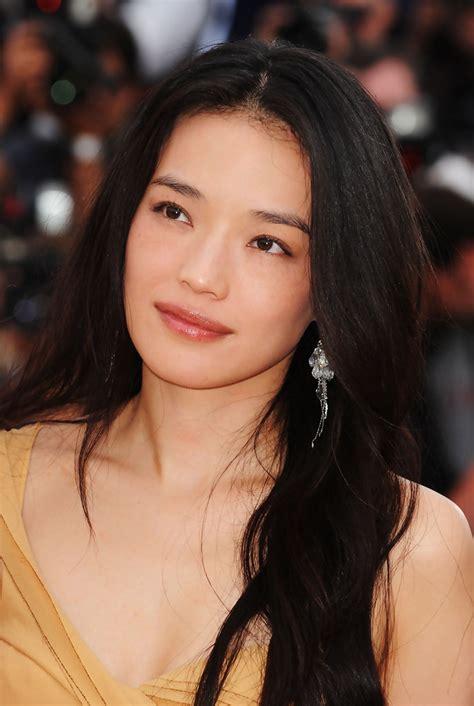 hong kong movie star short hairstyles for women shu qi lipgloss shu qi looks stylebistro