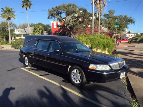 2006 lincoln town car hearse for sale