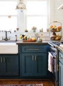 colored kitchen cabinets best 25 color kitchen cabinets ideas on