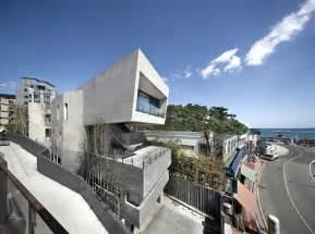 architect house architect k establishes monolithic house along the coast