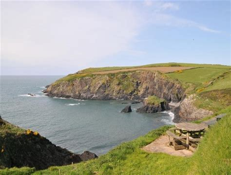 Coast And Country Cottages Pembrokeshire by Traditional Cottage Trefin In Bwthyn Alarch Trefin