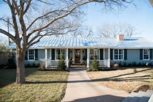 chip and joanna gaines homes magnolia farms fixer upper on pinterest fixer upper