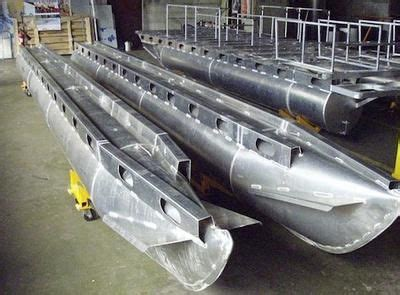 floating aluminum boat house sle of aluminum houseboat pontoons the difference