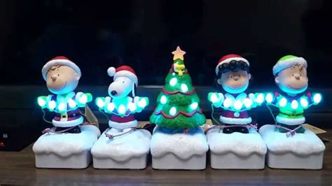 peanuts gang christmas   light show youtube