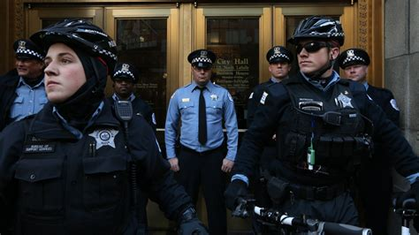 City Of Chicago Arrest Records More Chicago Officers Retiring Than Joining Officer