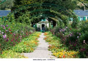 giverny garten monet garden giverny stock photos monet garden giverny