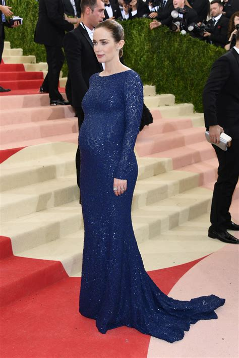 Emely Dress emily blunt maternity dress emily blunt clothes looks