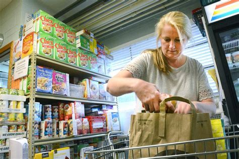 Glen Ellyn Food Pantry by Glen Ellyn Food Pantry To Distribute 600 Thanksgiving