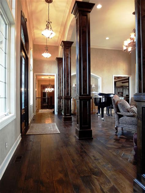 columns keep the hallway from dinginess and give the living room poise home pinterest