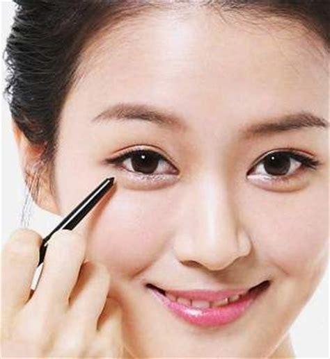 cara merias wajah bulat minimalis yang natural dan benar cara make up ala korea achysina