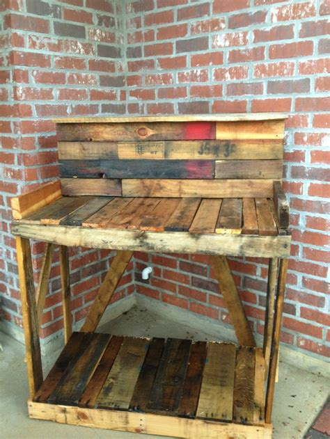 Diy Build Your Own Pallet Potting Table Diy Pallet Build Your Own Patio Table