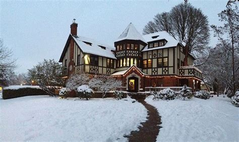 real gingerbread house a real gingerbread house cool outdoors stuff pinterest