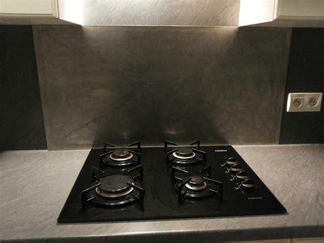 cuisine au gaz ou induction plaque de cuisson trop pr 232 s du mur probl 232 me de cr 233 dence