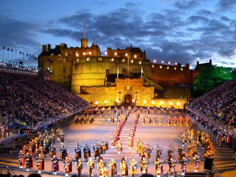 tattoo at edinburgh castle daily edinburgh military tattoo