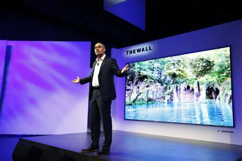 Samsung Unveils At Ces 2007 by Ces 2018 Samsung Unveils Tv Called The Wall That S