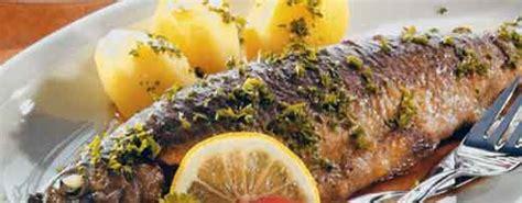 cucinare la trota salmonata come cucinare la trota salmonata e ripiena al forno