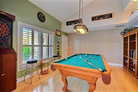 Quiz Room Melbourne Riverfront Home For Sale In Melbourne Florida