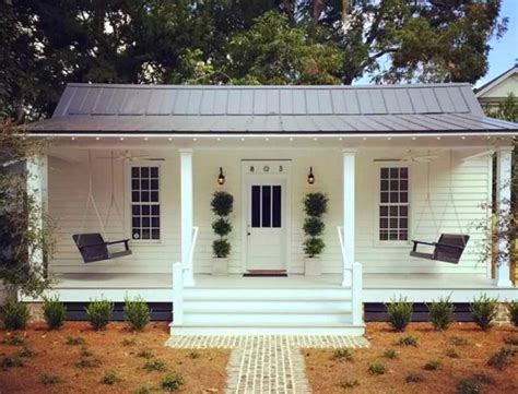 Homes With Porches A Cute White Cottage For Rent
