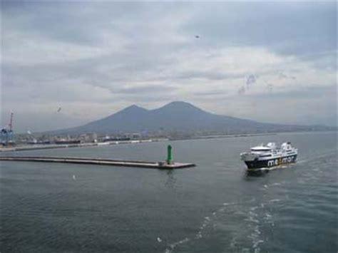 porto di napoli arrivi racconto la crociera di settembre sulla nave costa