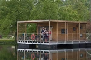 maison sur l eau habitat flottant insolite