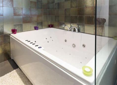 vasche idromassaggio dimensioni installare la vasca idromassaggio