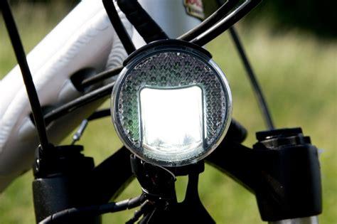 neue beleuchtungsideen mit led beleuchtung am fahrrad neue lichttechnik mit leds n tv de