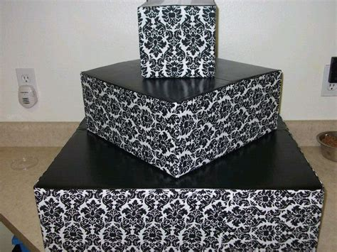 How To Make A Cupcake Box Out Of Paper - diy cupcake stand out of cardboard boxes fabric and spray