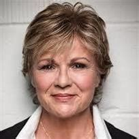 bookmyshow cbe julie walters movies biography news age photos