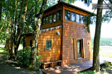 Small Cabin Rentals 16 Tiny Houses Cabins And Cottages You Can Rent Or